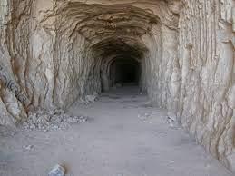 無料画像 : 視点, 石, トンネル, 形成, 地下, アーチ, 洞窟, エントランス, 闇, 怖い, 地質学, 寺院, インフラ, 深い, 通路,  探査, ダンジョン, 空襲の避難所, 古代の歴史 2560x1920 - - 1353041 - 無料写真- PxHere